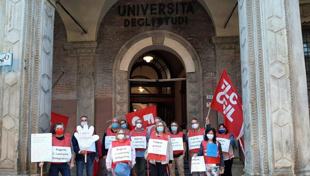 Protesta Cgil davanti al rettorato